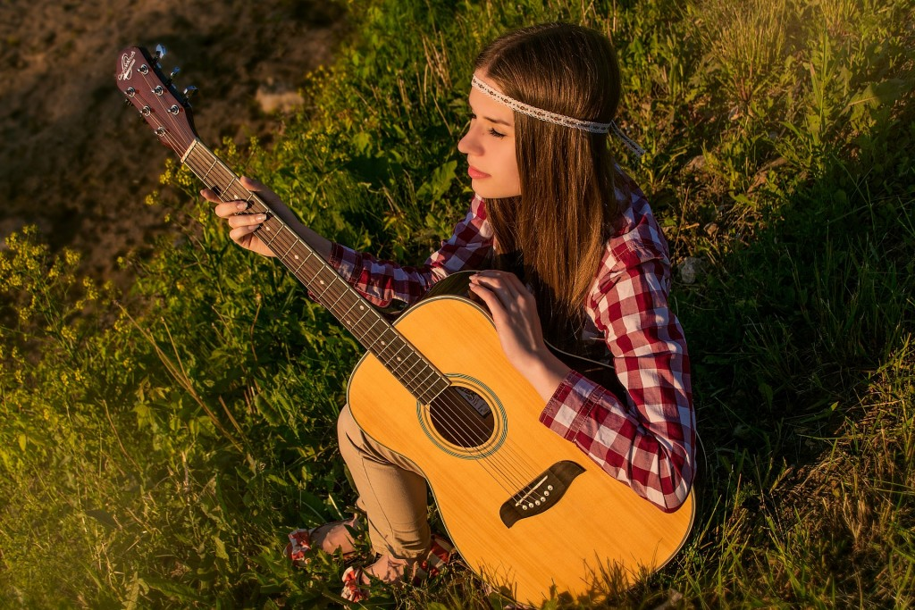 pixabay woman guitar